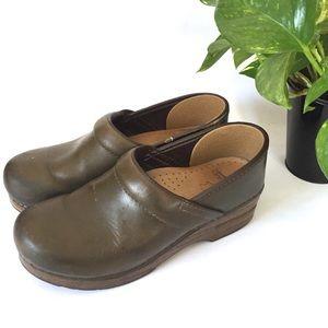 Dansko | Brown leather clogs size 38